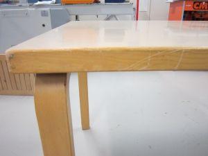 Artek pöytä 9