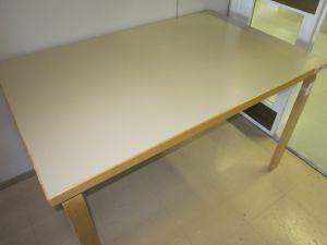 Artek pöytä 10