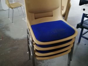 Tuoleja 10 kpl  (nro 1)