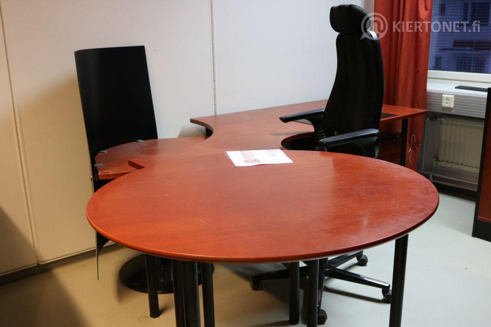 Toimistopöytä+tuoli+laatikosto nro 76.2.