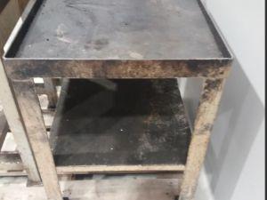 teräspöytä (KN911)