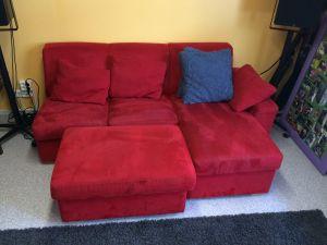 Punainen sohva + rahi