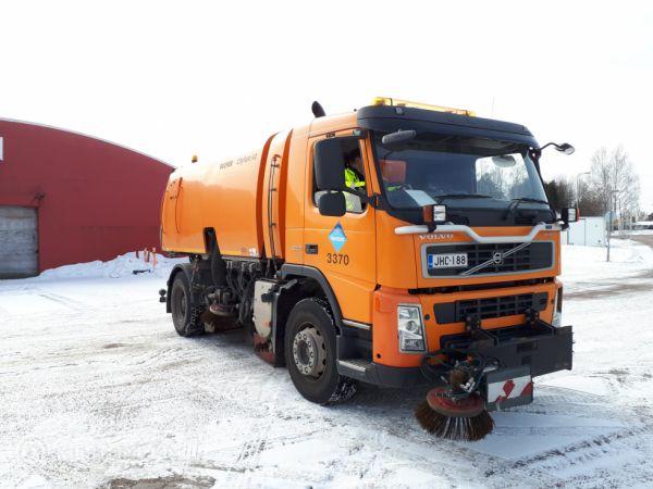 Volvo FM imulakaisuauto + talvivarusteet