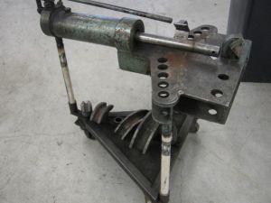 Putkentaivutin ja työkalut Pos 2
