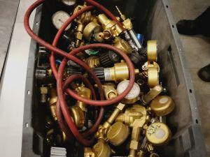 Kaasun virtaussäätimiä (pos. 1)