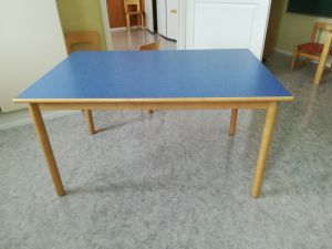 Lasten pöytä