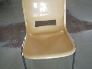 Tuoleja 12 kpl  (nro 4)