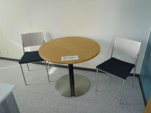 Pyöreä pöytä + 2 tuolia - nro 90.4
