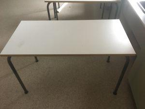 120 x 60 laboratorion työpöytä 10 kpl