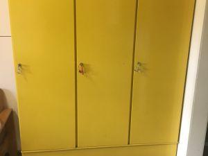 Fiskars 3 ovinen pukukaappi