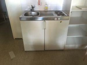 RST Liesi-tiskipöytä jääkaappi yhdistelmä