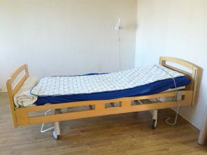 Säädettävä sairaalasänky