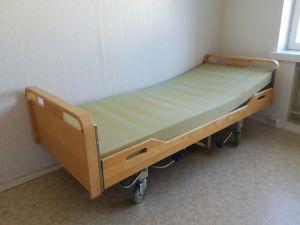 Sairaalasänky , säädettävä