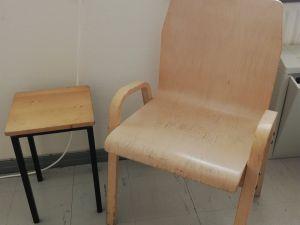 Tuoli ja jakkara