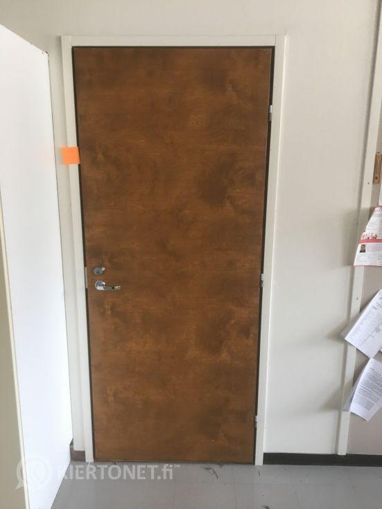 Ruskea ovi 80 x 200, karmeineen