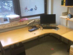 Työpöytä 2000x2000mm, 9 kpl