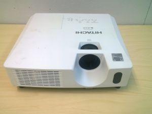 Hitachi CP-X2510 datatykki ja kattoteline (#1)