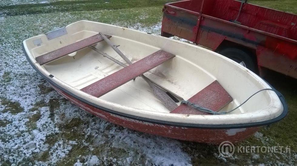 halutaan ostaa soutuvene