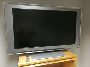 "Sony Bravia KDL-40X2000 40"" LCD TV"