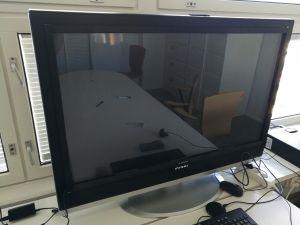"""Mirai DTL-642E500 42"""" LCD TV + PQ Labs Multi-Touch G3 -kosketusnäyttö"""