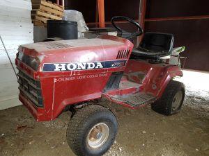 Kiinteistö traktori Honda