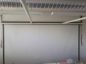 Valkokangas, leveys n. 4 metriä
