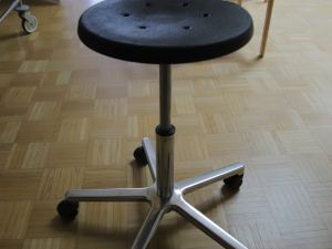 Säädettäviä tuoleja 6 kpl