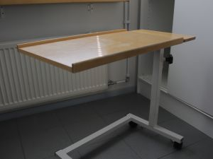 Apupöytä 2 kpl