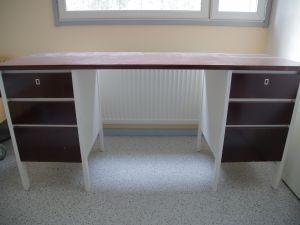 Koulupöytä