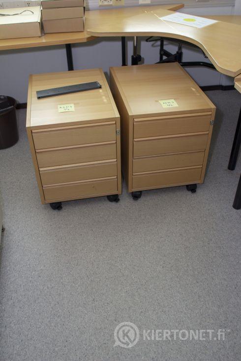 2 x laatikosto rullilla