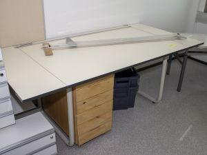 Piirustuspöytä