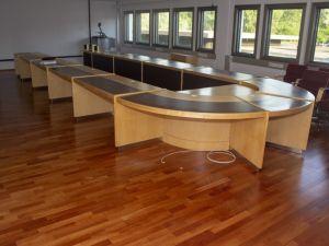 Kokouspöytä