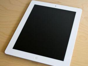 Käytetty iPad 2  16 Gb Wi-Fi + GSM, White