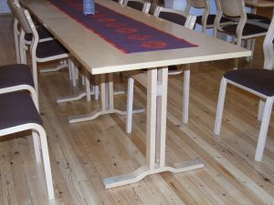 Pöytä 1 kpl (130x80cm)