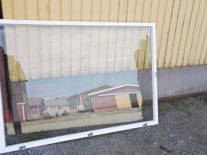 Ikkunan ulkopuitteita viiden kappaleen erä
