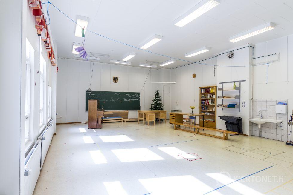Kannuskosken entinen koulu- ja päiväkotikiinteistö