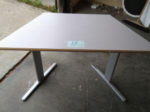 Pöytä 2 kpl