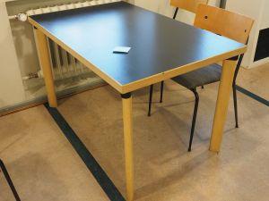Artek pöytä 4:lle, musta kansi, 1 kpl, (8)
