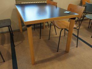 Artek pöytä 4:lle, musta kansi, 1 kpl (9)