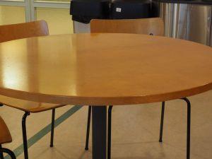Pyöreä pöytä, 6 kpl (10)