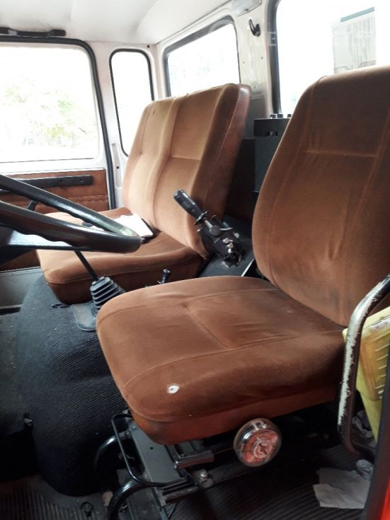 Volvo F614 vaihtolavalaitteilla - ajettu vain 44 731 km