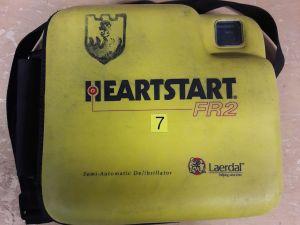 Heartstart FR2 defibrillaattori nro. 7.