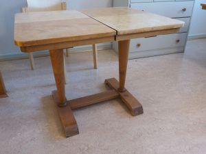 Jatkettava pöytä, puu, 2 kpl (1)