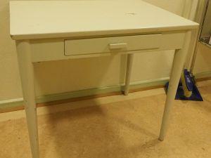 Pöytä, puu, vaalea, 1 kpl (14)