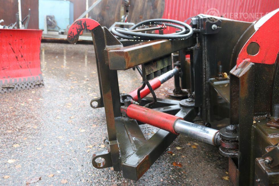 Traktoriaura AJAX 2400 HXJ