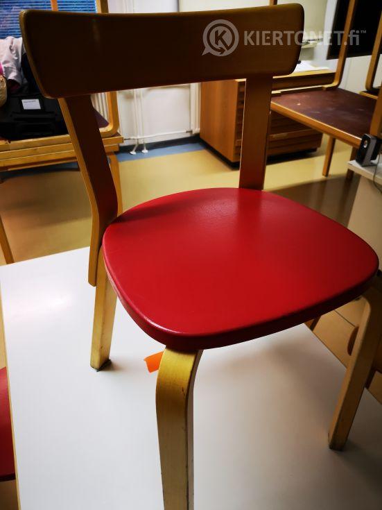 Artek pöytä ja 4 tuolia (104)