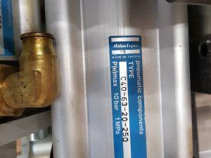 Pneumatiikkasylintereitä
