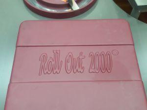 Roll Out 2000 -Tuulilasileikkuri