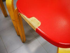 Artek tuoleja 5 kpl istuinpinta rikki