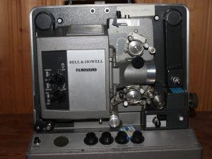 Elokuvaprojektori 16mm Bell & Howell Filmosound TQI (type 642)